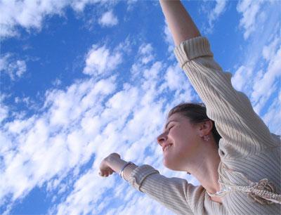 felicidad-1.jpg-chica-brazos